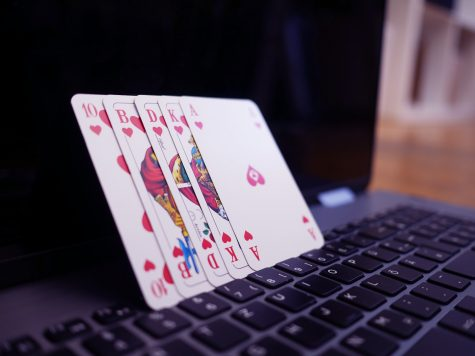 The Advantages of Playing Online Poker